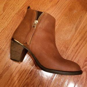 Steve Madden Whendy Cognac Nubuck Boots